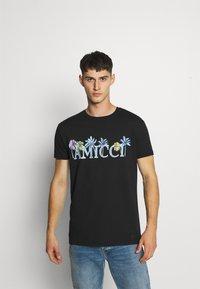 AMICCI - FLORENCE - Printtipaita - black - 0