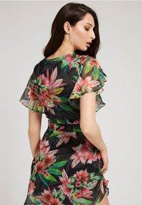 Guess - LANA DRESS - Day dress - blumenmuster - 2