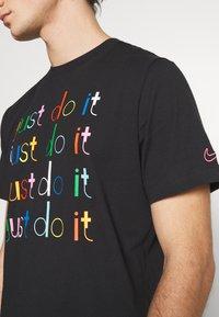 Nike Sportswear - Camiseta estampada - black - 4