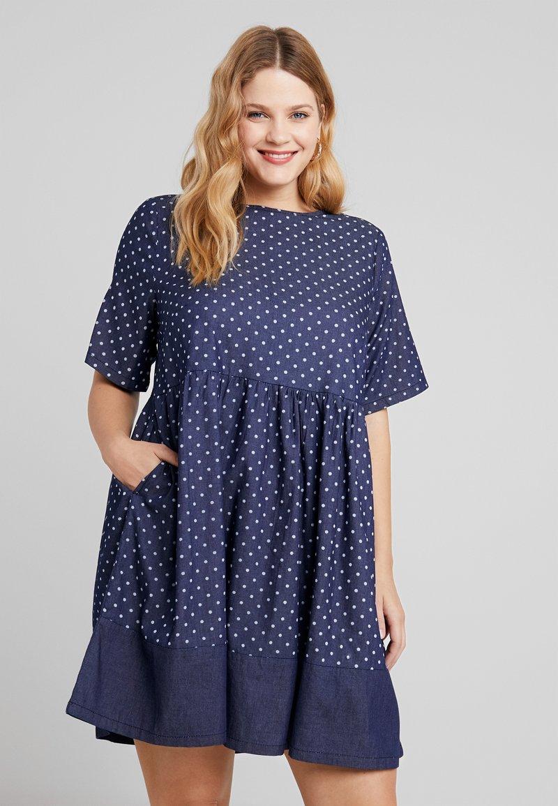 CAPSULE by Simply Be - SPOT LIGHTWEIGHT DRESS - Robe d'été - indigo
