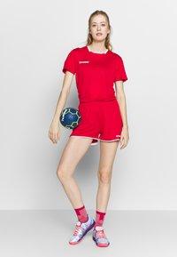 Hummel - HMLAUTHENTIC  - T-shirt print - true red - 1