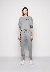 Pinko - ALGEBRA MAGLIA - Sweatshirt - grey - 1