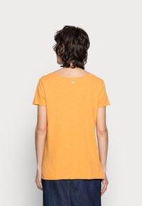 Rich & Royal - SLUB SHIRT - Basic T-shirt - golden orange - 2