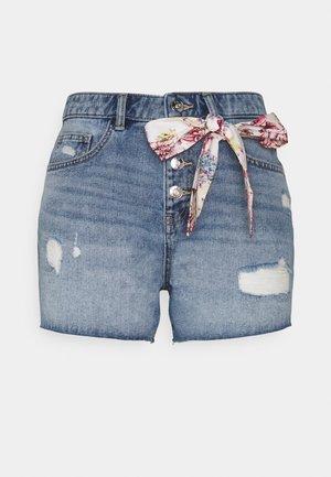 ONLPHINE LIFE DEST - Szorty jeansowe - light blue denim