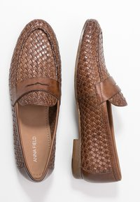 Anna Field - LEATHER SLIPPERS - Slip-ons - cognac - 3