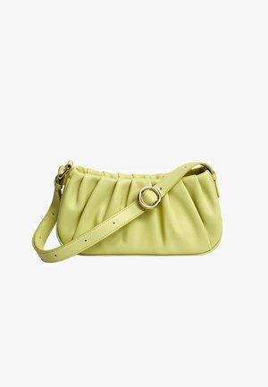 LUNA - Across body bag - apfelgrün