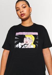 Even&Odd Curvy - T-Shirt print - black/white/beige - 3