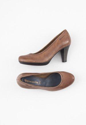 Escarpins à plateforme - brown