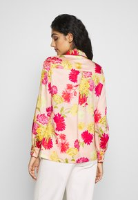 iBlues - VARIETY - Button-down blouse - powder - 2
