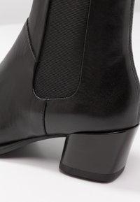 Vagabond - LARA - Classic ankle boots - black - 2
