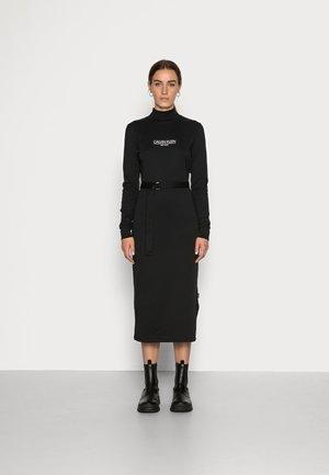 NEW YORK ESSENTIAL DRESS - Jerseyjurk - black