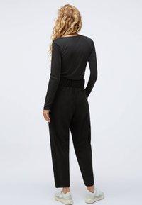 OYSHO - Long sleeved top - black - 2
