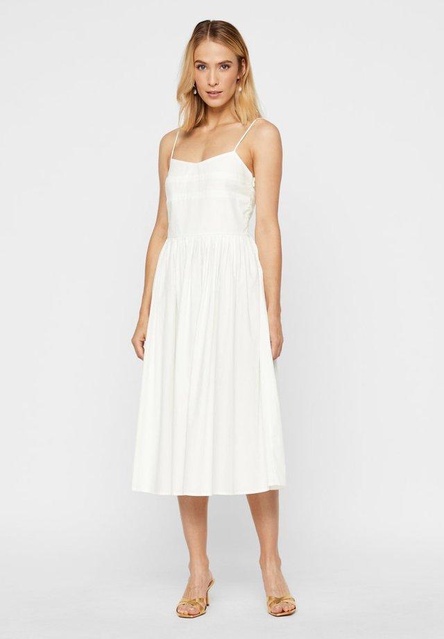 Day dress - star white