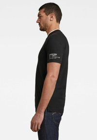 G-Star - BASEBALL COLLAR GRAPHIC SLIM POLO - Print T-shirt - dk black - 2