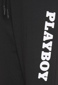 Missguided - PLAYBOY LOGO OVERSIZED - Pantalones deportivos - black - 2