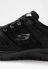 Skechers Sport - SUMMITS - Zapatillas - black - 2