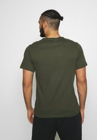Nike Performance - DRY TEE CREW SOLID - Basic T-shirt - khaki - 2