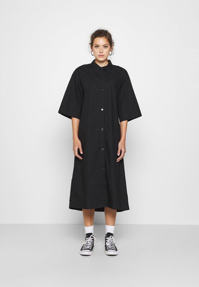 ELIN DRESS - Košilové šaty - black dark