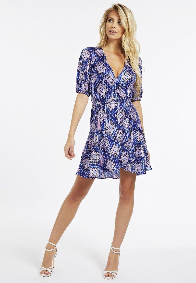 Guess - Korte jurk - mehrfarbig, grundton blau