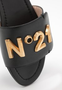 N°21 - ANKLESTRAP SABOTS - Ciabattine - black - 2