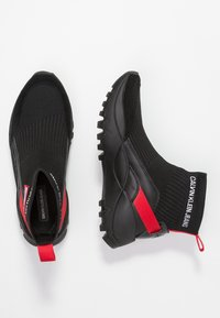 Calvin Klein Jeans - TYSHA - High-top trainers - black/tomato - 3