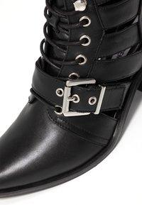 Steve Madden - EMMY - Ankle boots - black - 2