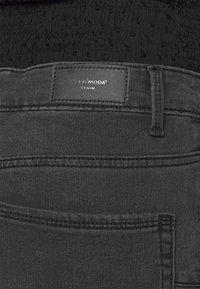 Vero Moda Petite - VMTILDE ANKLE ZIP - Džíny Slim Fit - medium grey denim - 6