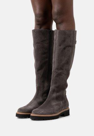 Platform boots - pepper