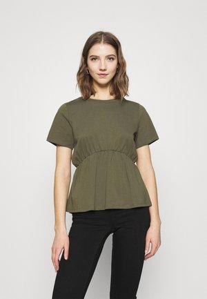 ONLANDREA DETAIL - T-shirt imprimé - kalamata