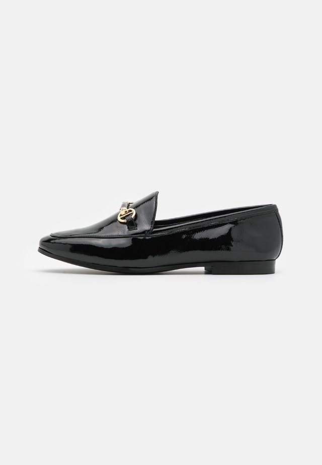GUILTT  - Loaferit/pistokkaat - black