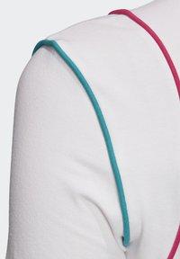 adidas Originals - SLIM T-SHIRT - T-shirt print - white - 5