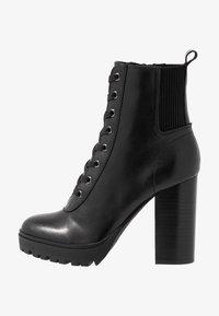 Steve Madden - LATCH - Kotníková obuv na vysokém podpatku - black - 1
