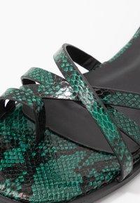 Hot Soles - Sandaler m/ tåsplit - green - 2