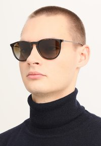 Ray-Ban - 0RB4171 ERIKA - Sunglasses - havana polar brown - 1