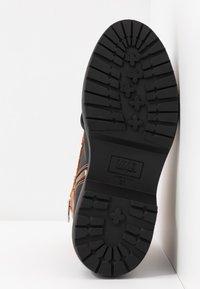 MM6 Maison Margiela - Platform ankle boots - bran/black - 6