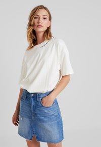 Converse - CONVERSE RENEW TEE - Basic T-shirt - egret - 0