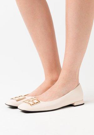 Ballet pumps - creme