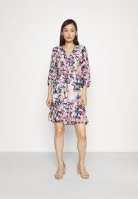 ONLY - ONLZOE DRESS - Vestido informal - cloud dancer/peacoat - 0