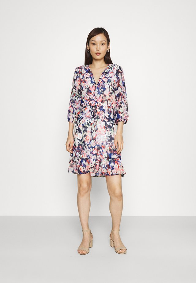 ONLZOE DRESS - Vestido informal - cloud dancer/peacoat