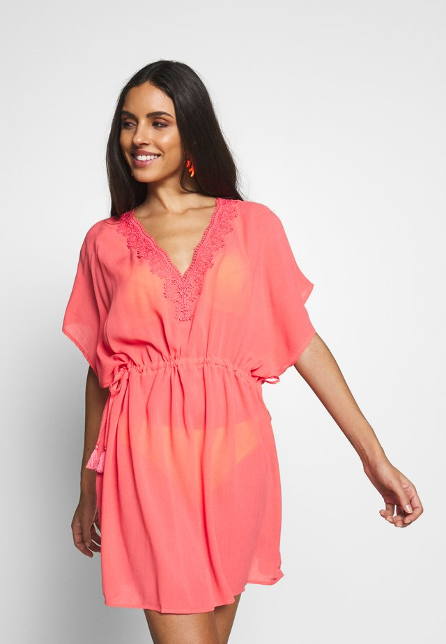 CROCHET BACK DETAIL COVER UP - Beach accessory - coral