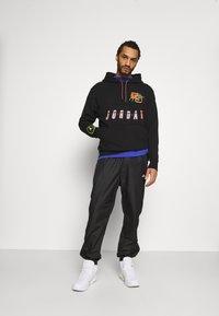 Jordan - HOODIE - Sweatshirt - black/cyber - 1