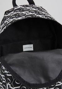 Calvin Klein Jeans - MIRRORED CAMPUS BACKPACK  - Batoh - black - 5