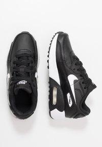 Nike Sportswear - AIR MAX 90 UNISEX - Sneakersy niskie - black/white - 0