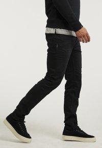 CHASIN' - NISON - Slim fit jeans - black - 2