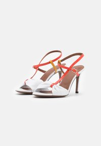 L'Autre Chose - Sandals - white/coral/ochre/yellow - 2