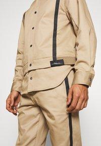 3.1 Phillip Lim - JACKET REMOVABLE TAIL - Krátký kabát - sand - 3