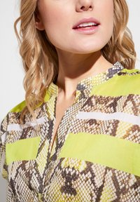 Eterna - Button-down blouse - neongelb - 3