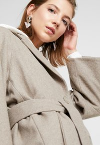 Weekday - VIVI COAT - Classic coat - mole - 4