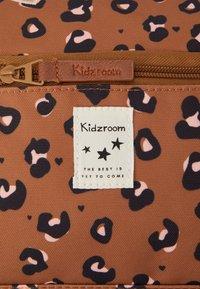 Kidzroom - SPORTS BAG KIDZROOM ATTITUDE - Luiertas - taupe - 5