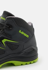 Lowa - INNOX EVO GTX QC JUNIOR UNISEX - Hiking shoes - anthrazit/limone - 5